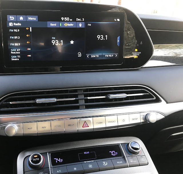 Infotainment and HVAC in 2020 Hyundai Palisade Limited AWD