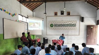 """Founder Pituruh News, Berikan Motivasi """"Kelas Inspirasi"""" di SMP/SMK A. Yani Gebang"""