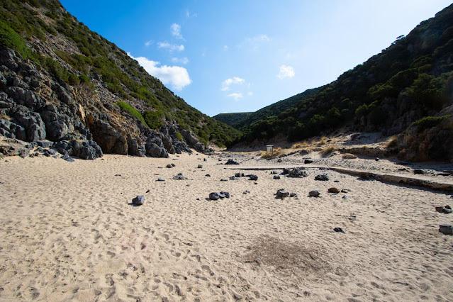 Spiaggia di Cala Lunga-Parte posteriore