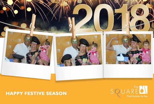 EVENT THE SQUARE - HAPPY FESTIVE SEASON AT Novotel Saigon Centre Hotel PHOTOBOOTH-FOTOMOTO 3 SHOT