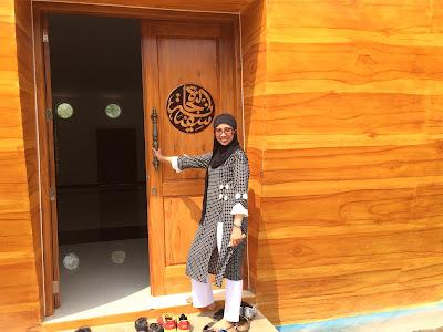 Pintu Masuk Masjid Kapal Semarang