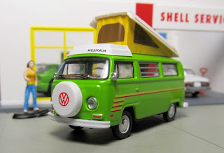 GreenLight Volkswagen camper bus