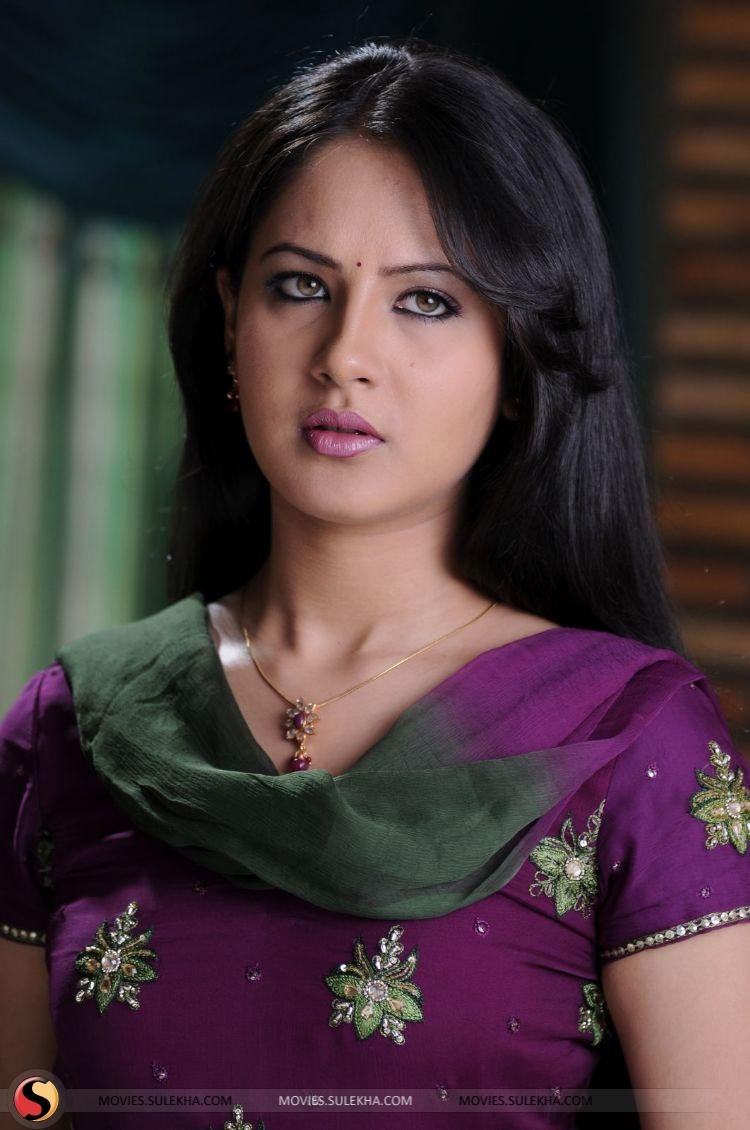 hot photos of pooja