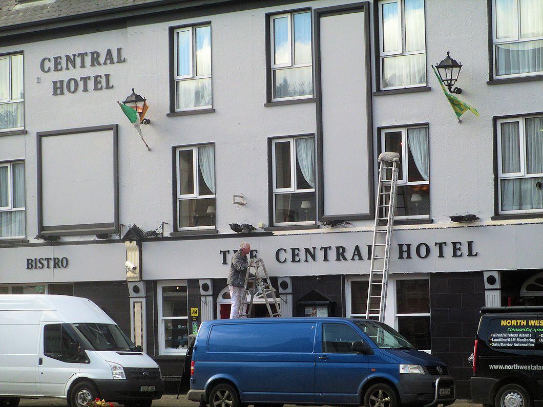 Somewhere In Ireland Central Hotel