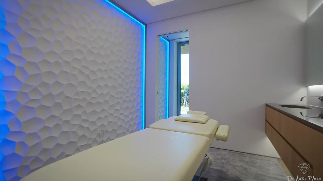 59 Interior Photos vs. 1460 Laurel Way, Beverly Hills, CA Ultra Luxury Modern Mega Mansion Tour