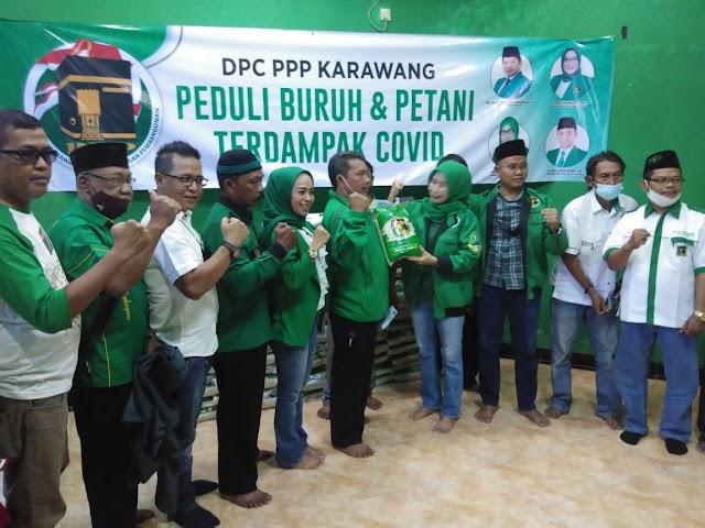 DPC PPP Karawang Salurkan Bantuan Untuk Petani dan Buruh