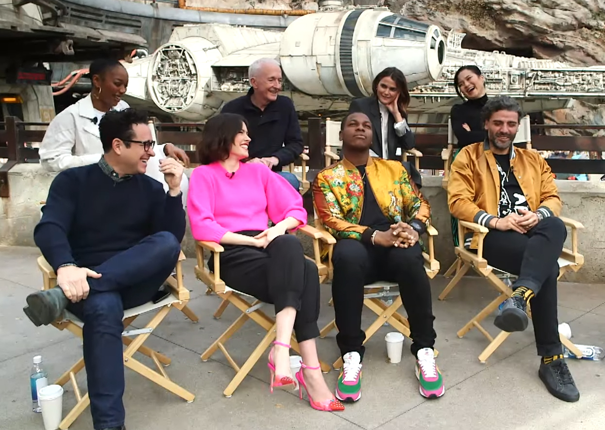 The Star Wars Underworld New The Rise Of Skywalker Cast Crew Interviews