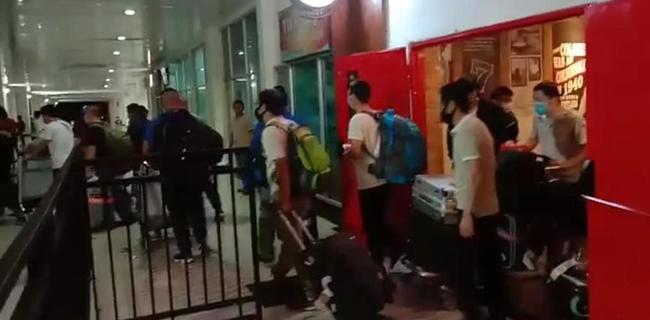 Beda Dengan Kemnaker Soal 49 TKA China, Menko Luhut: Jangan Diributkan, Mereka Legal Semua