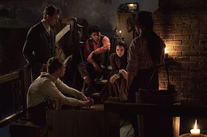 Рецензия на первый сезон сериала «Нерегулярные части» - Холмс, да не тот - 03