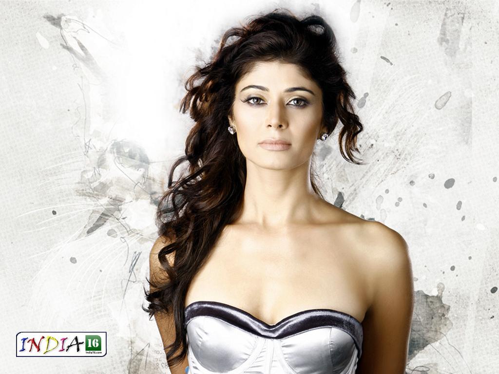 Pooja Batra Nude Image
