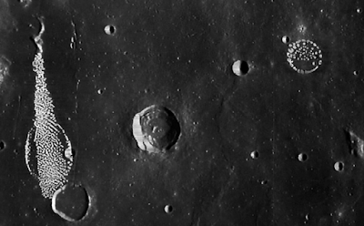 Amazing Structures On Dark Side Of Moon, UFO Sighting News