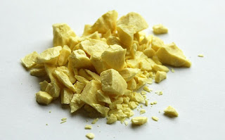 a sample of sulfur