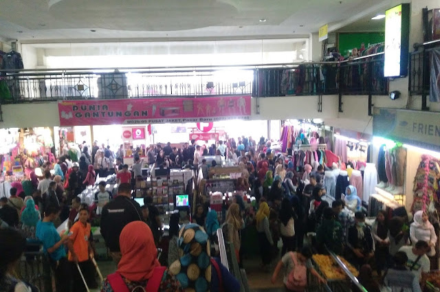 Wisata Belanja Menarik Pasar Baru Bandung
