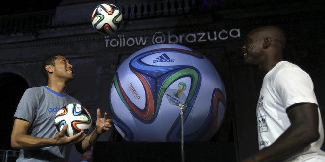 Bola Piala Dunia dari Majalengka