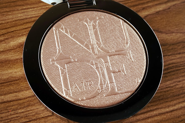 diorskin nude air luminizer shimmering sculpting powder 001 review swatches 4 close up