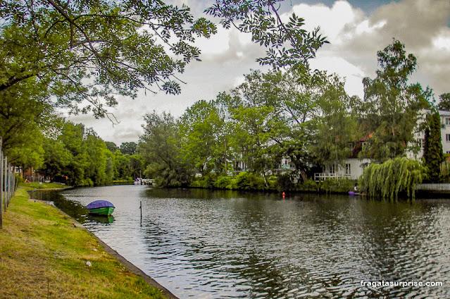 Margens do Rio Trave, Lübeck, Alemanha