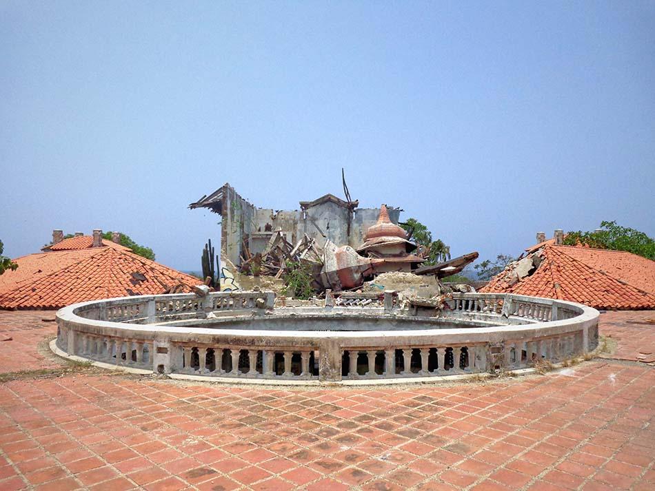 Derrumbe de las torres del Hotel Miramar de Macuto