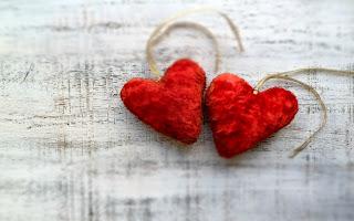 Couple of cute little love hearts