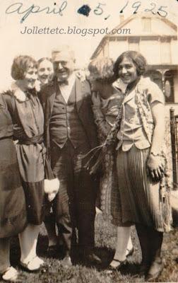 Walter Davis, Violetta Davis, Velma Davis, Thelma Hockman, Leta LaVow  https://jollettetc.blogspot.com