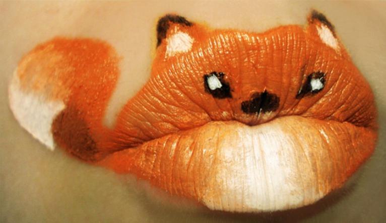 Melukis di Bibir