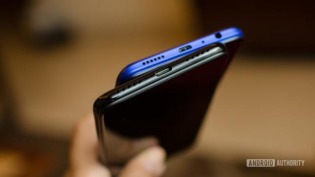 Realme 3 Pro vs Redmi Note 7 Pro micro USB and USB C port