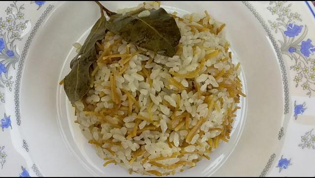 طريقة عمل ارز بالشعرية بالروزماري الشيف محمد الدخميسي