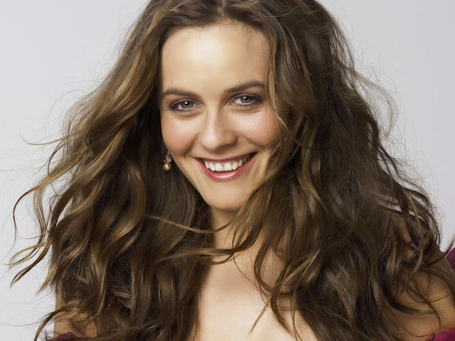 Picture World Alicia Silverstone Hd Wallpapers Free Download