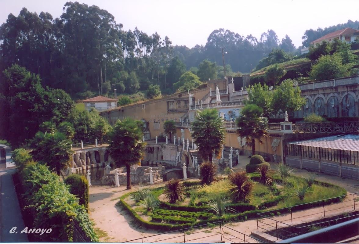jardines del parque del pasatiempo en Betanzos