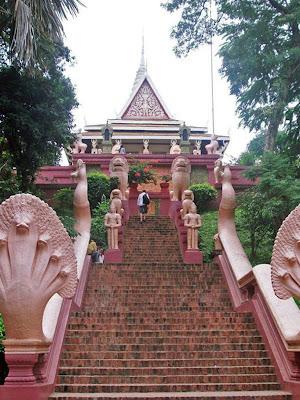 Wat Phnom (Phnom Penh, Cambodia)