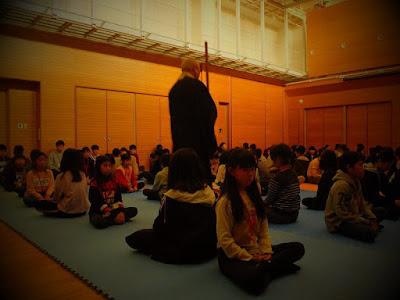 座禅 めい想の世界