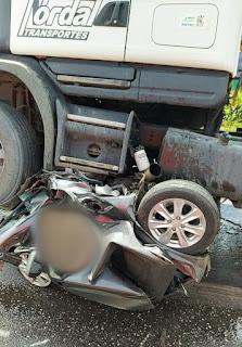 Carro vira 'bola de metal' e cinco pessoas morrem em grave acidente na BR-316