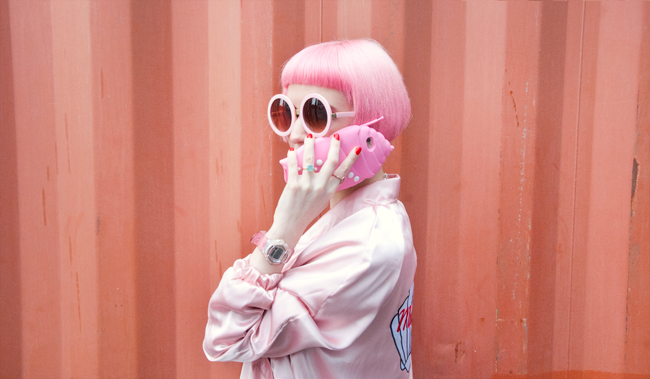 valfre phone case, shell phone case, pink look