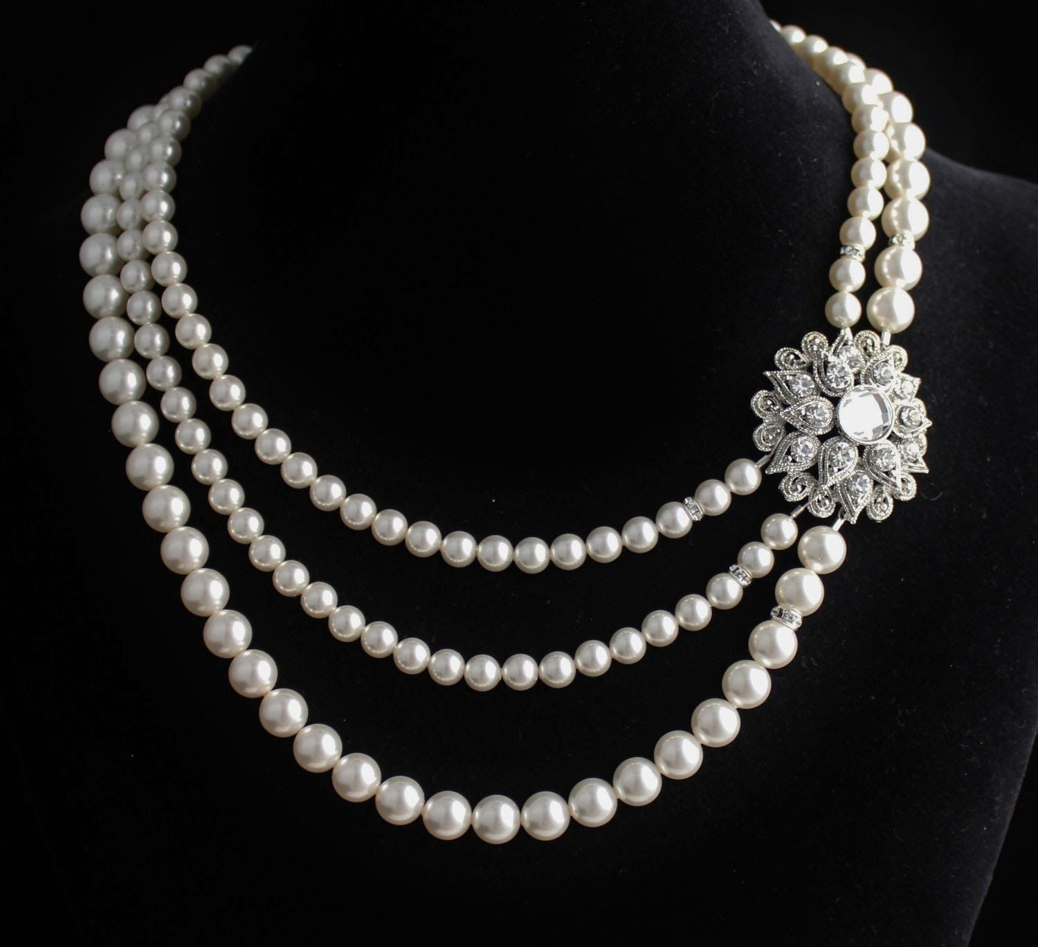 Pictures Of Diamond Necklaces