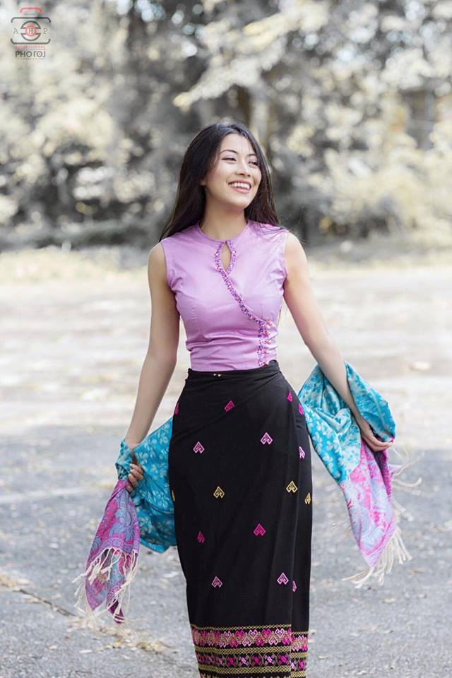 Myanmar Beautiful Girl Photo