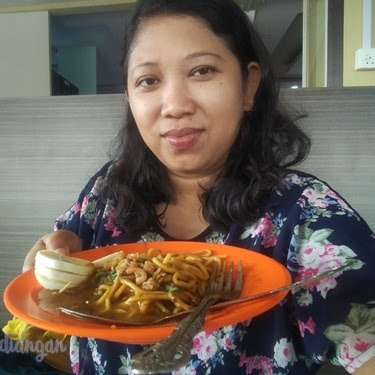 Eat Lendir Noodles in Tanjungpinang Culinary