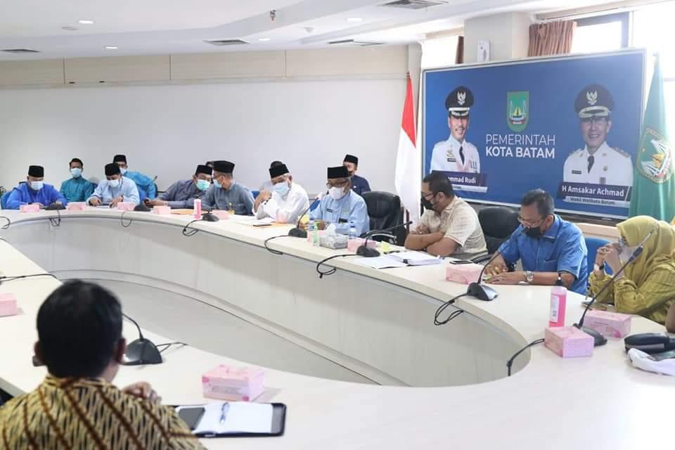 Jefridin Menerima Kunjungan DPRD Kabupaten Indragiri Hilir dan Memaparkan Penanganan Covid-19 di Batam