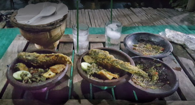 Bebek Goreng Waroeng Lempoeng, Tongas, Probolinggo