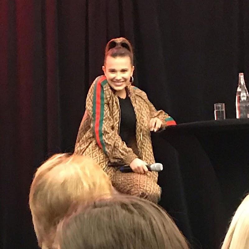 Millie Bobby Brown Clicks at Stranger Fan Meet 3 Panel in Paris Feb-23/2020
