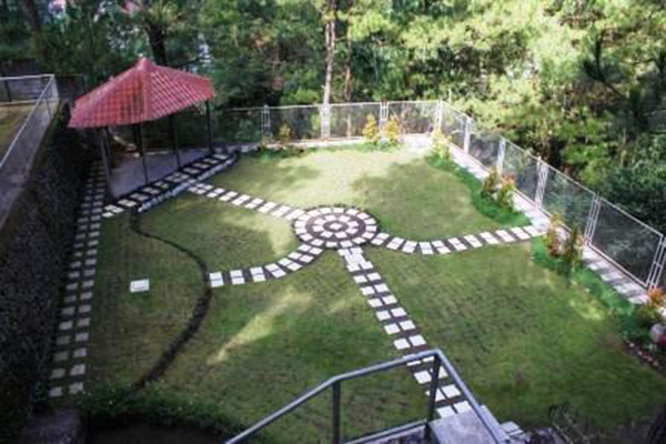 Back open - lower garden (Event's place)