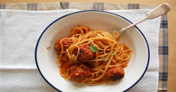 Spaghetti With Meat And Aubergine Balls Recipe