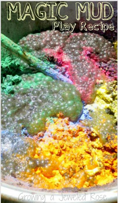 Wow all ages and make MAGIC mud!  It bubbles and fizzes as kids play! #magicmud #mudpierecipe #mudplayideas #fizzingmud #bakingsodaexperimentsforkids #growingajeweledrose
