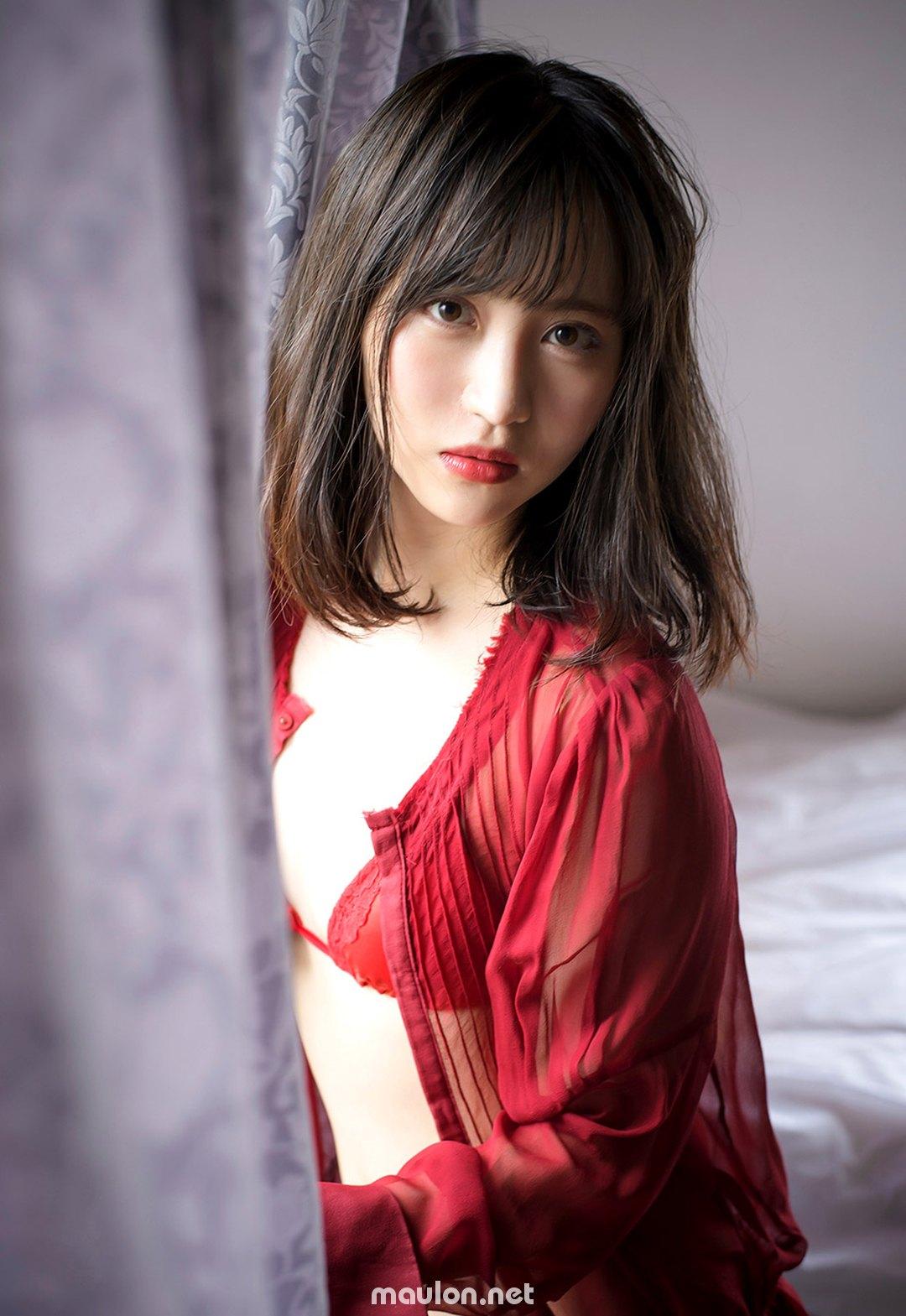 Gái xinh Rikka Ono, nước nôi phải cứ cả xô
