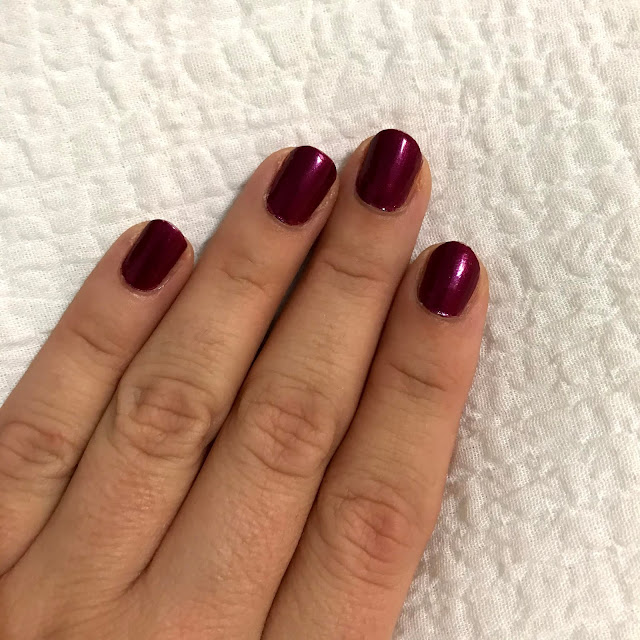 essie-no reservations-manicure monday
