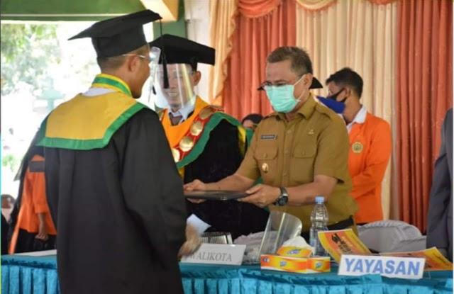 Wakil Walikota Hadiri Wisuda Sarjana Angkatan ke-42 STISIP Mbojo Bima