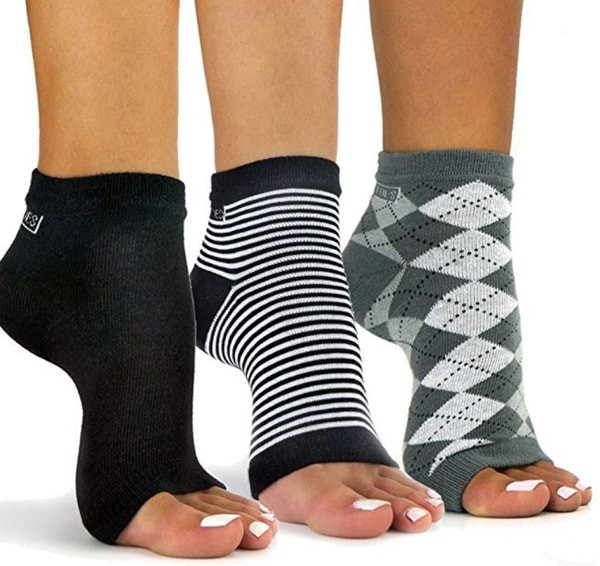 toeless pedicure or flip flop socks make good stocking stuffers for adults