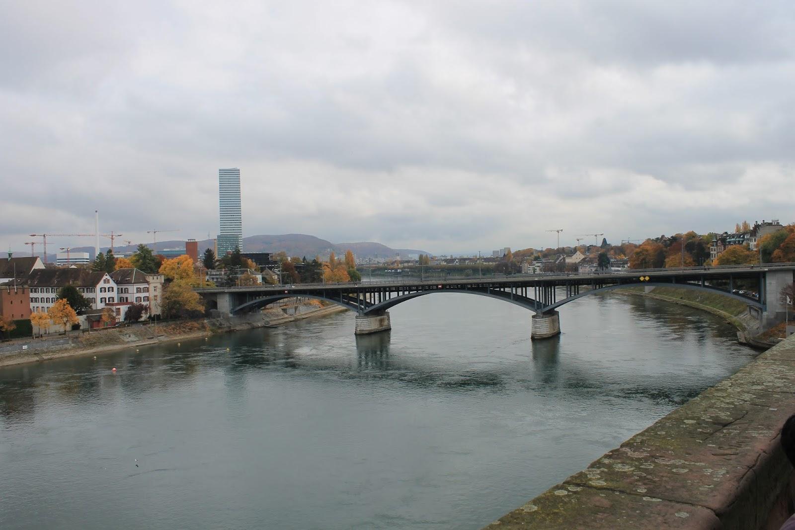 Ponte do meio - Basel