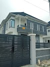 An Excellent 4 Bedroom Duplex for sale, Chevron Drive, Lekki, Lagos.
