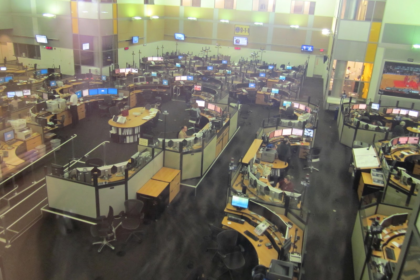 The Annandale Blog Cop School The 911 Call Center