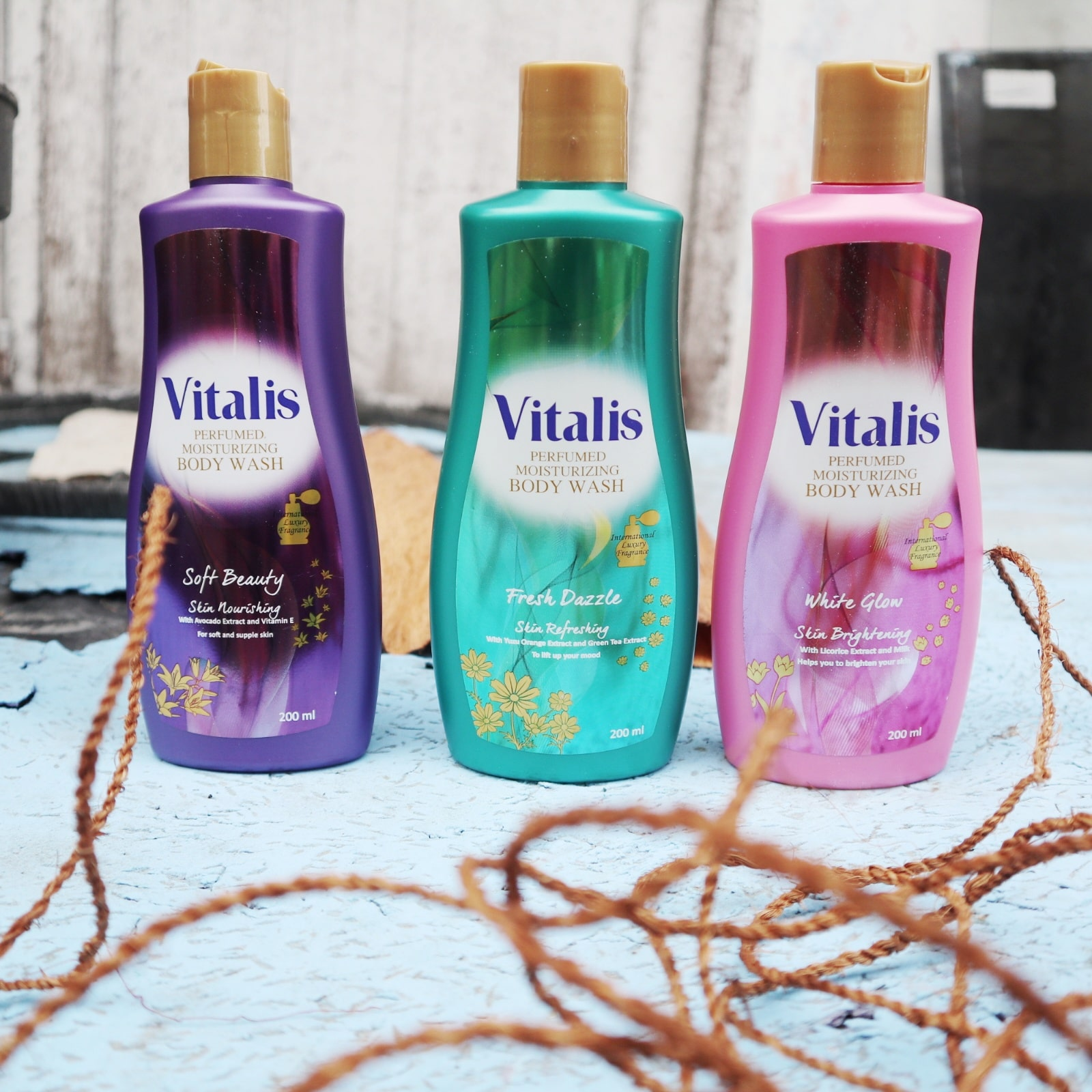 Mandi parfum bersama vitalis body wash