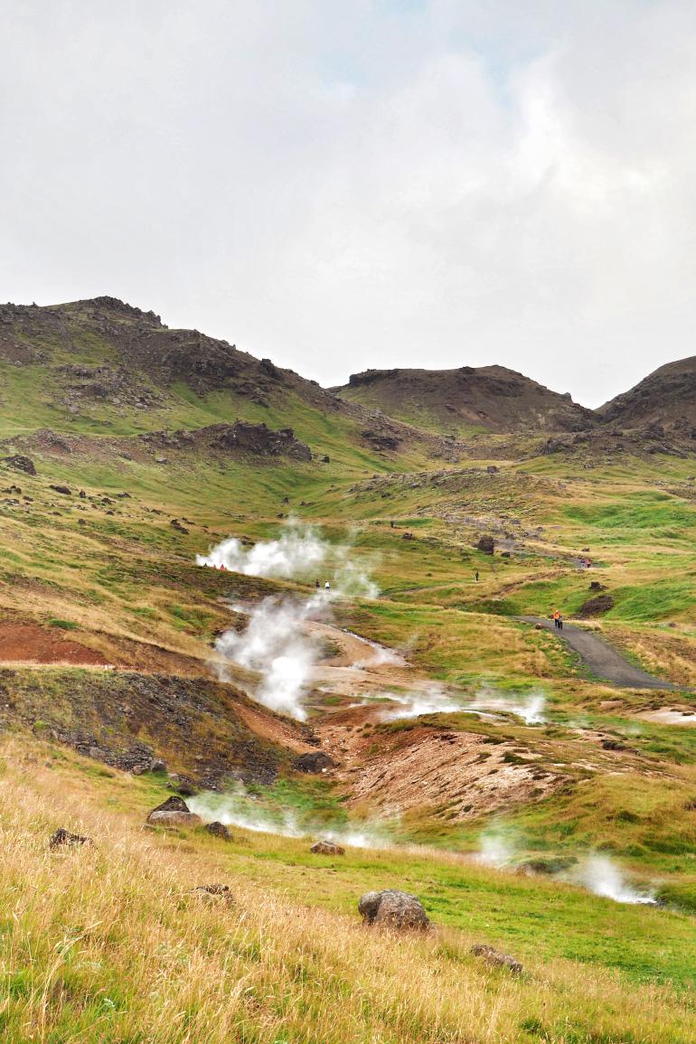 Randonnée jusqu'à la source chaude de Reykjadalur en Islande
